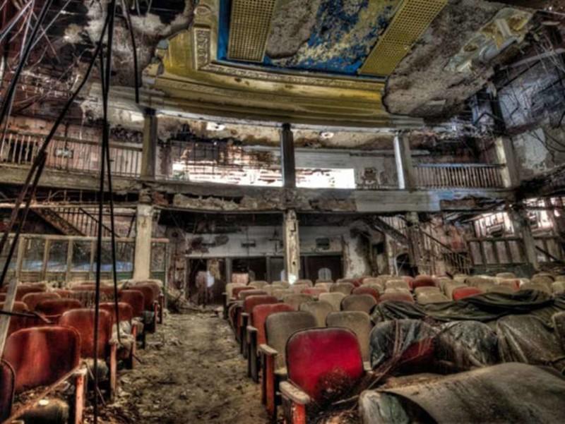 10. Заброшенный театр заброшенные места, крипи, прикол, ужас