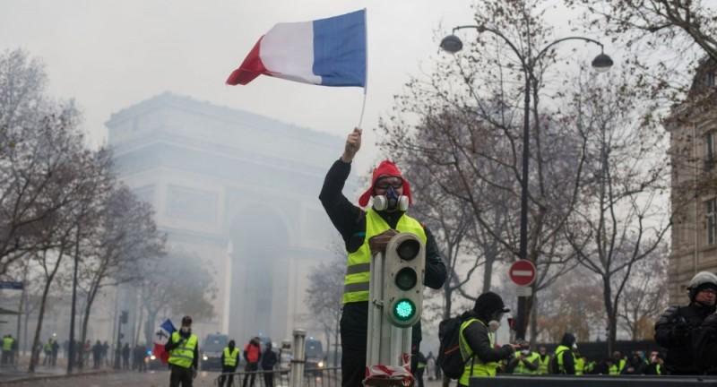 25 требований желтых жилетов во Франции
