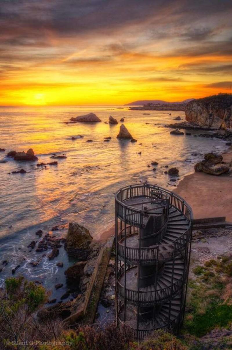 27. Лестница в никуда, Пизмо Бич, Калифорния заброшенные места, крипи, прикол, ужас