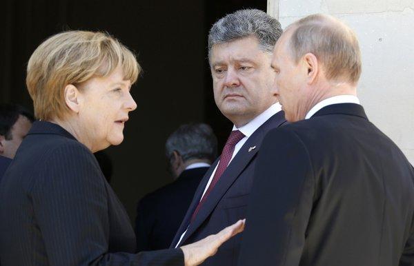 Меркель, Путин и Порошенко, фото с сайта perta.ru