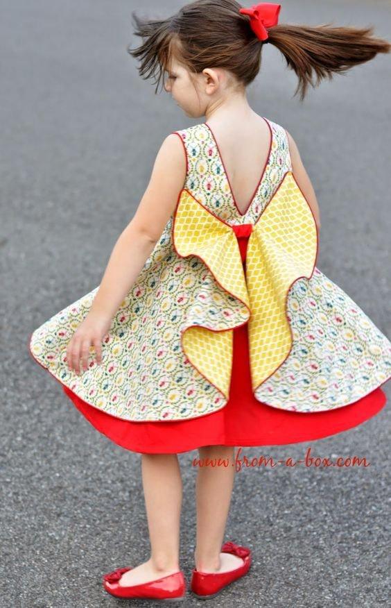 Оригинальные платья для девочек. 4 способа креативного пришивания пуговиц.