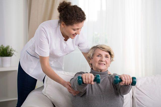 Как происходит реабилитация после инсульта