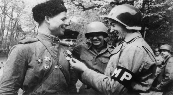 Инструкция 1945 года солдата США для общения с красноармейцами
