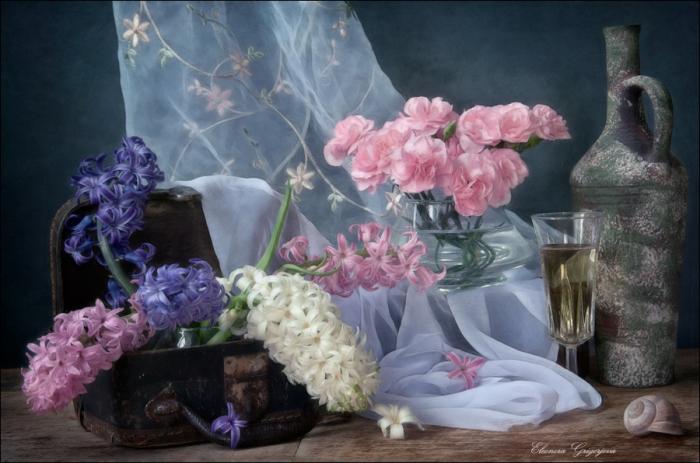 Натюрморт — «странная живопись, которая заставляет любоваться копией тех вещей, оригиналами которых не любуешься»...