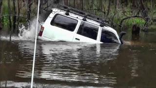Как не стоит преодолевать водные преграды на авто