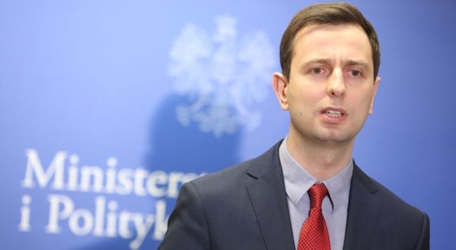 Польский политик предложил вооружать беженцев и отправлять их бороться за свободу