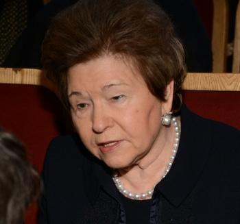"""Наина Ельцина предложила считать """"лихие девяностые"""" святыми"""