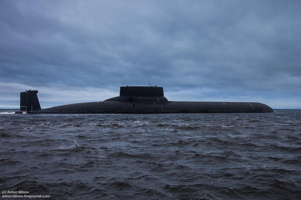 """""""И лодка, размером с египетский сфинкс, уходит из города Северодвинск..."""""""