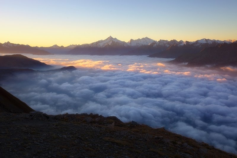 Рассвет. Океан облаков над Валле-д'Аоста (регион Италии) горы, красиво, небо, облака, природа, творчество, фото, фотограф