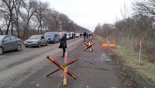 ВСУ обстреляли Донецк под прикрытием машин с детьми