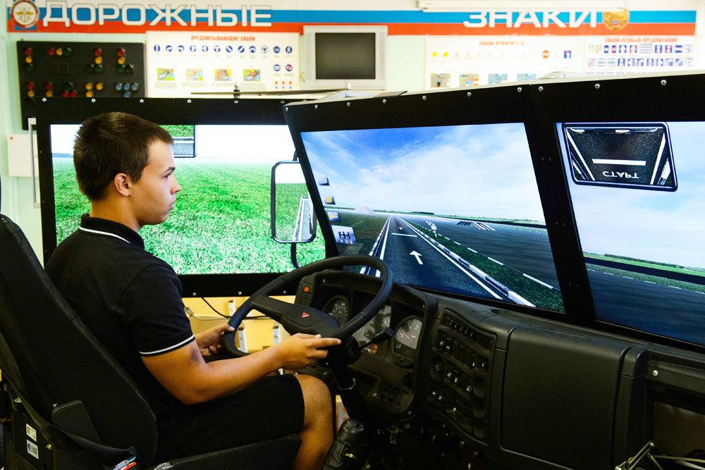 Для челябинских старшеклассников возродят уроки автодела