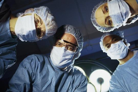 Свежая подборка анекдотов и веселых историй про врачей