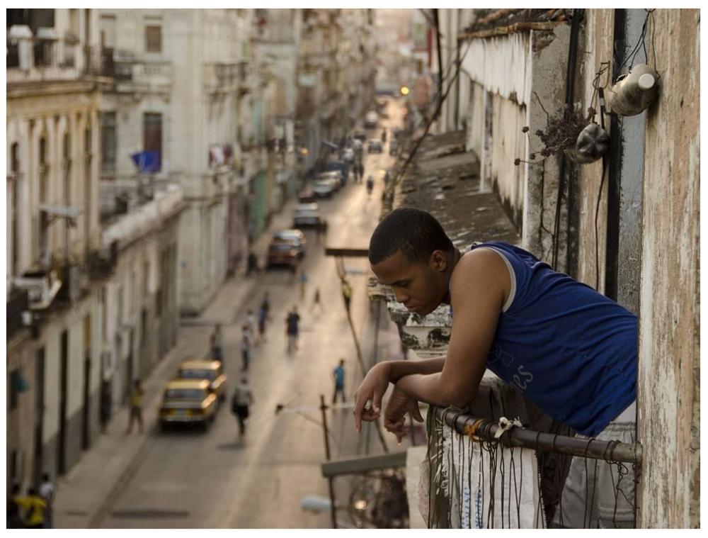 Шедевры от мастеров уличной фотографии: реальная жизнь в каждом снимке 16