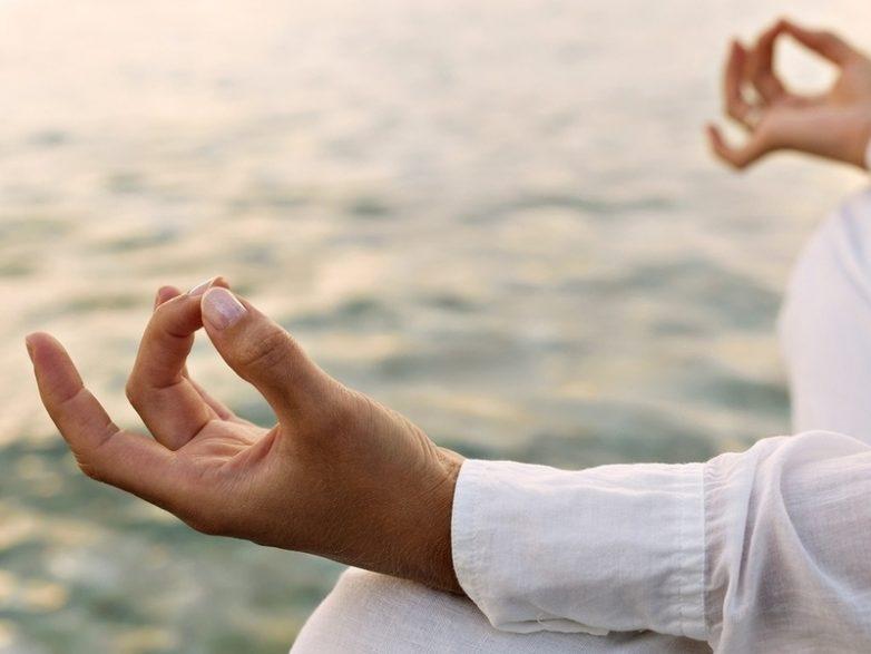 Упражнения йоги для пальцев, чтобы сохранить здоровье организма