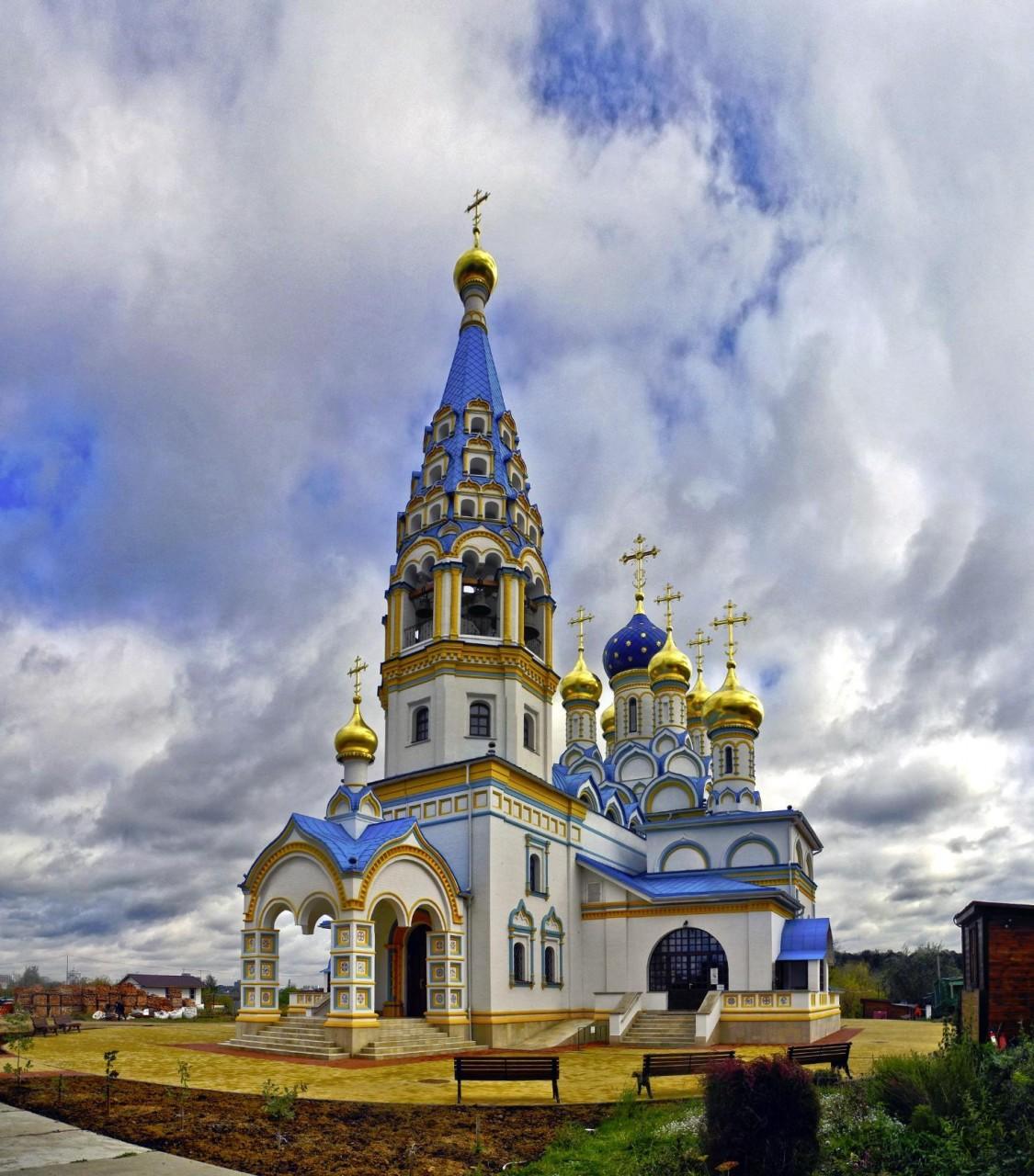 В РПЦ предложили восстанавливать храмы в вымерших деревнях