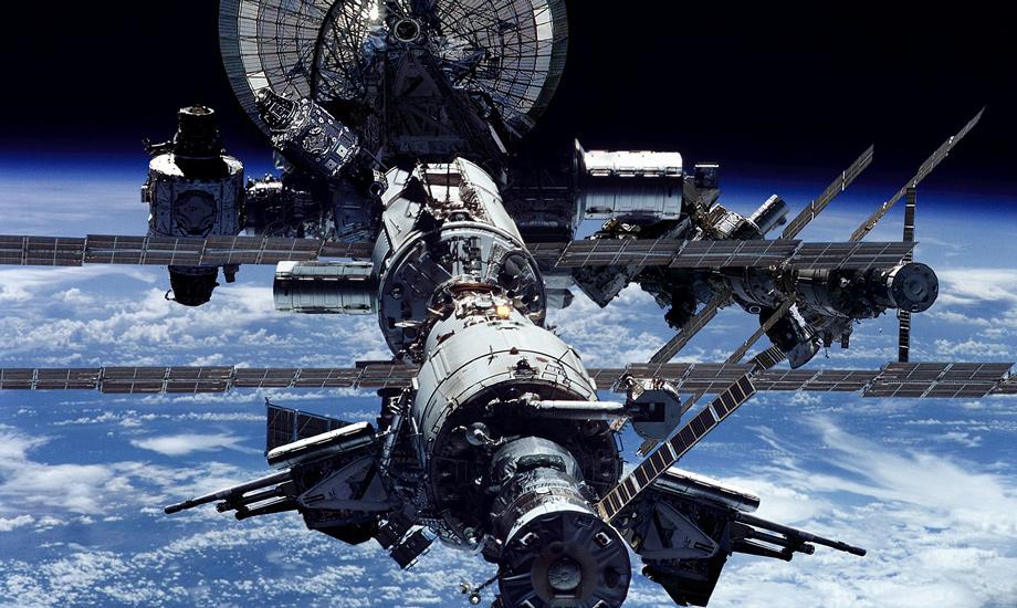 Экипаж МКС перешёл в укрытие из-за вспышки на Солнце