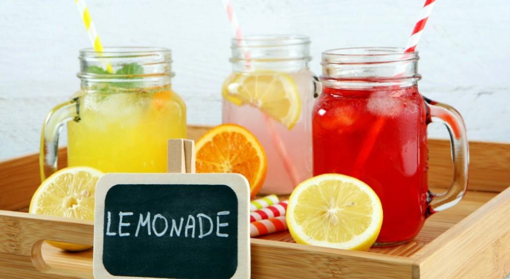 5 освежающих лимонадов, которые спасут от жары