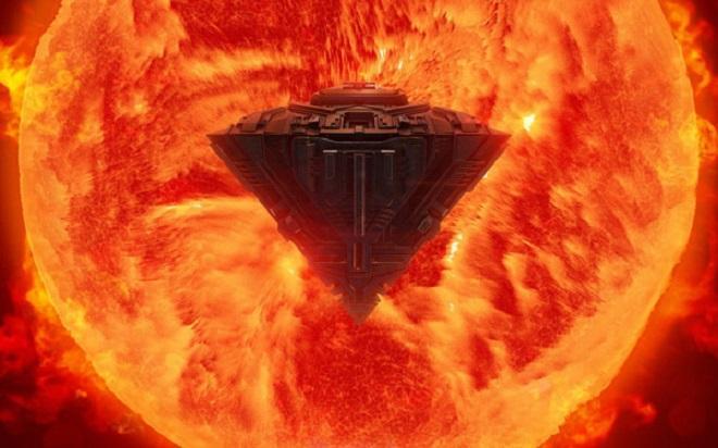 Корабль пришельцев, в 100 раз превышающий размерами Землю, вылетел прямо из Солнца