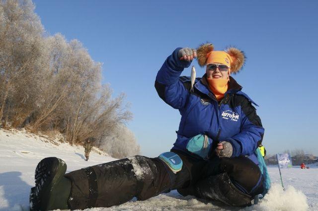 «Дорогой, я на рыбалку!» В Сибири создали женскую рыболовную лигу