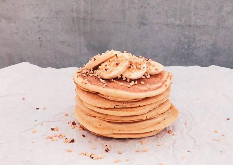 Простой рецепт панкейков на кефире ПП (без сахара и масла)