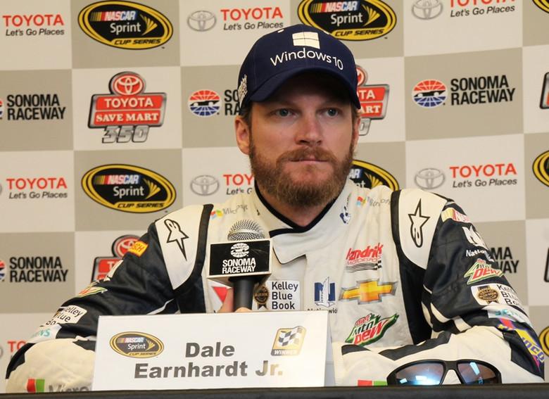 Гонщик NASCAR рассказал, что…