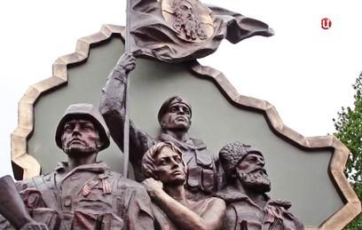 В центре Луганска пытались взорвать памятник ополченцам
