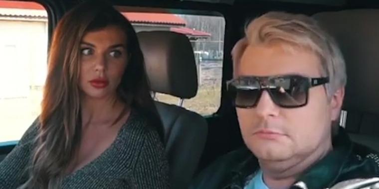 Седокова дала оплеуху Баскову, водившему микрофоном у нее между ног