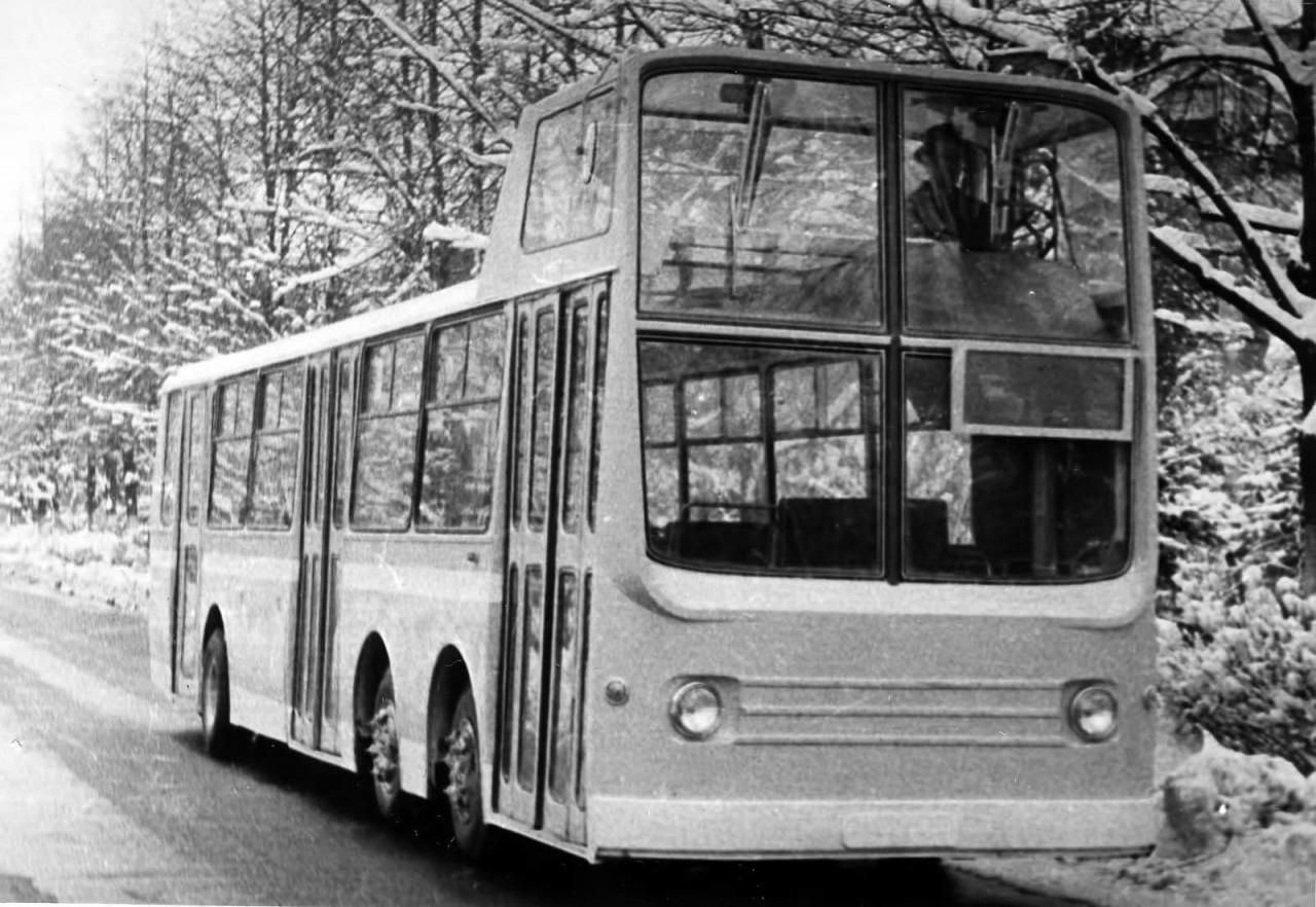 Экспериментальный двухэтажный автобус НАМИ–0159