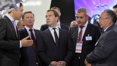 Медведев: Необходимо расширить доступ малого и среднего бизнеса к госзакупкам