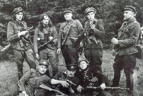 Кто продолжал воевать после 1945 года