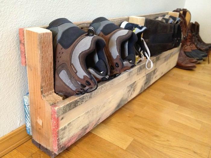 Полка для обуви.