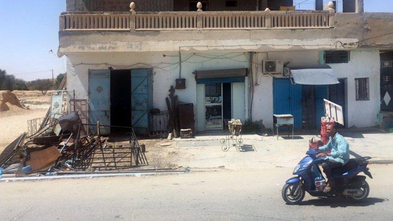 В Тунисе назревает мощная забастовка госслужащих, сулящая стране тяжелые последствия