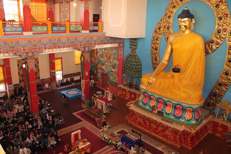 Ролик об осквернении будды элиста