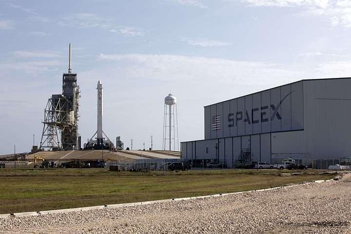 SpaceX передумала обновлять вторую ступень ракеты Falcon 9