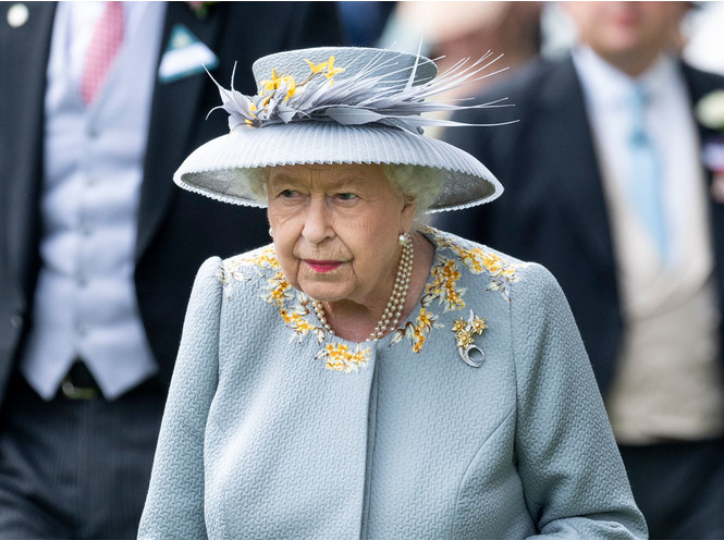 Королева стиля: 5 образов Елизаветы II на Royal Ascot