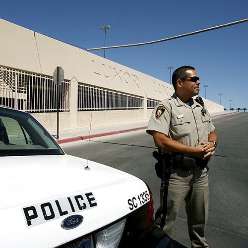В результате стрельбы на концерте в Лас-Вегасе погибли два человека
