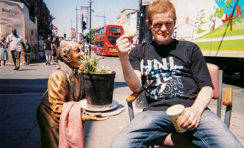 Лондон глазами бездомных: бомжам раздали 100 фотоаппаратов и попросили снять свой город