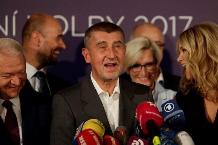 Власти Чехии обсудят отмену признания независимости Косово