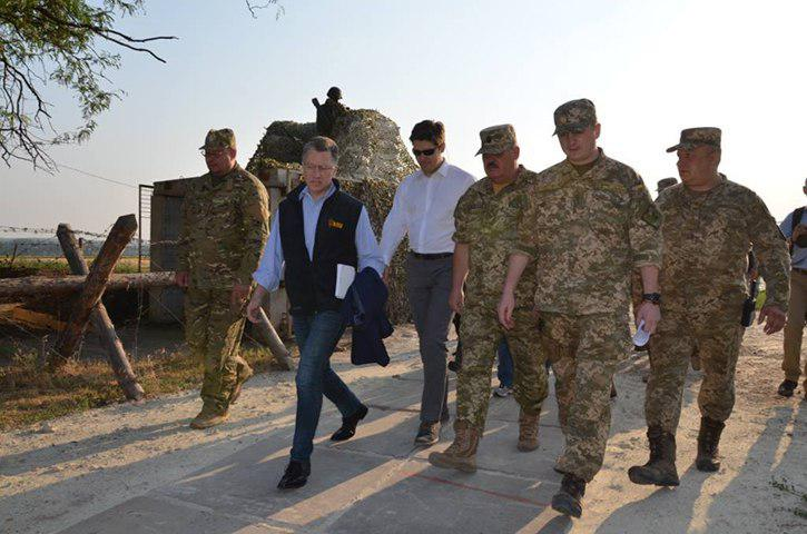 В ДНР призвали Волкера одуматься насчет поставок оружия Порошенко