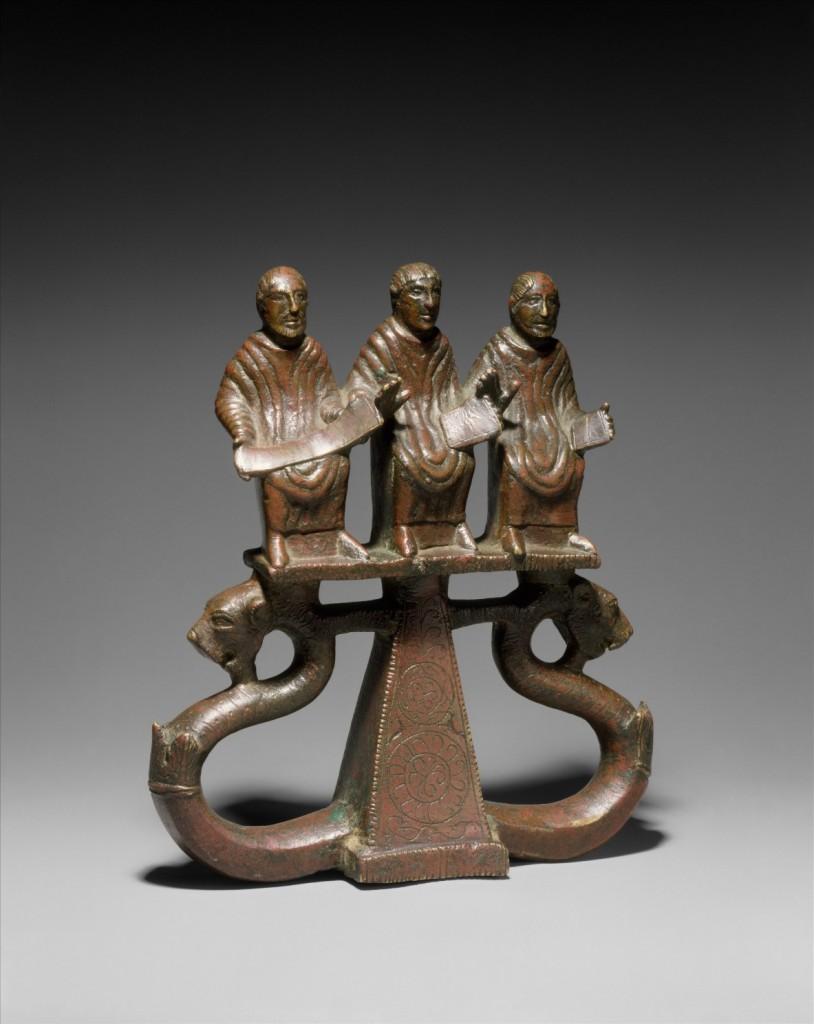 6 Статуэтка «Три оратора»