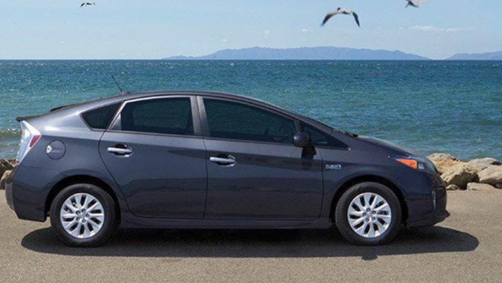 Эксперты составили ТОП-5 лучших гибридных автомобилей