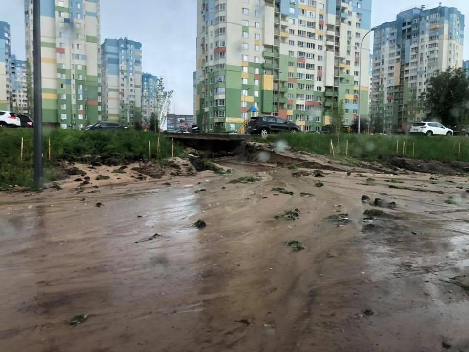 В Нижнем Новгороде ливень размыл многомиллионную дорогу, построенную к ЧМ-2018