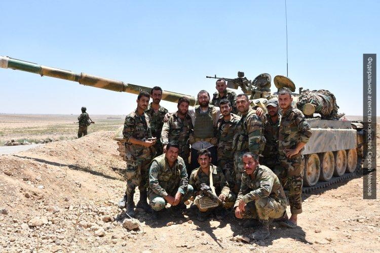 Армия Сирии уверенно теснит боевиков на западе Идлиба