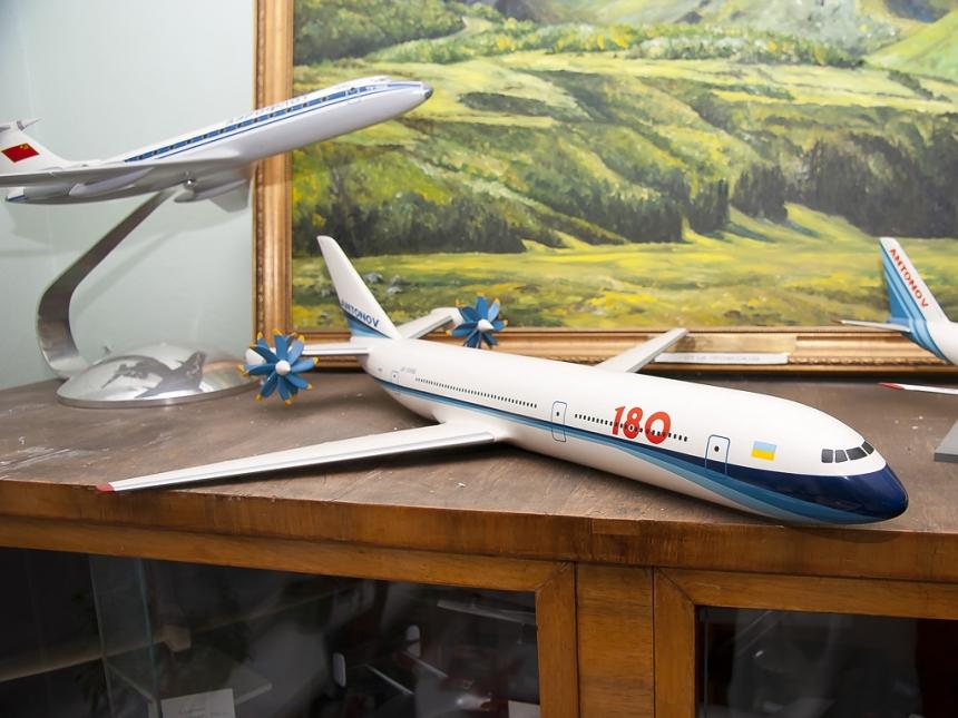 """""""Антонов"""" займется созданием пассажирского самолета в классе Boeing 737, Airbus A320 и МС-21"""