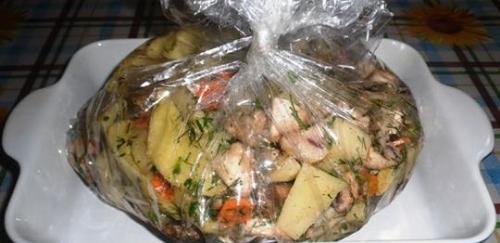 Обалденная картошка с грибами в рукаве.