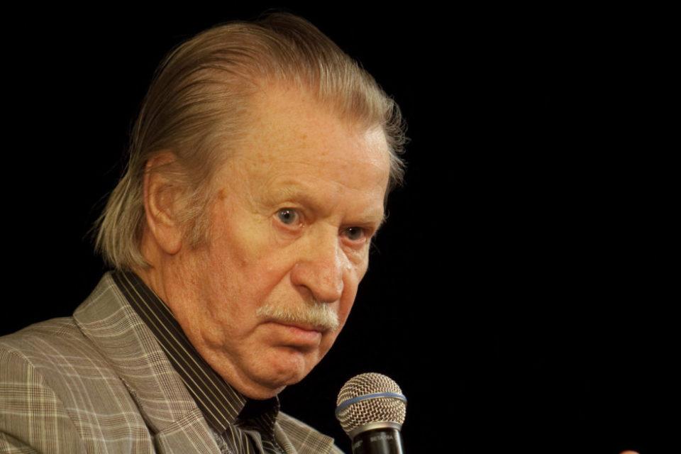 Порозовевшая бывшая жена Ивана Краско заявила, что никогда не любила и не собиралась замуж за актера, который теперь сидит у нее на шее