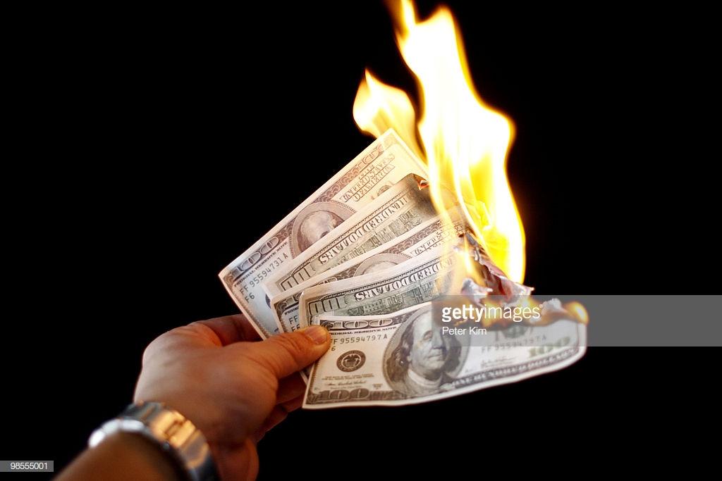 О конфискации в ответ на санкции: доллар под запретом?