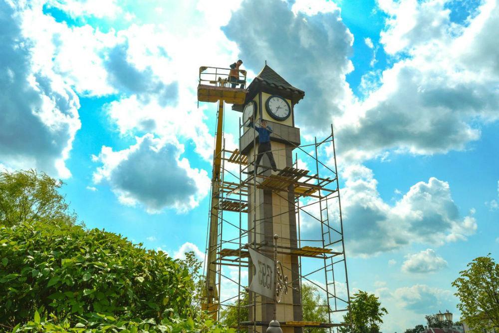 В небольшом городке на Витебщине появились башенные часы с историей