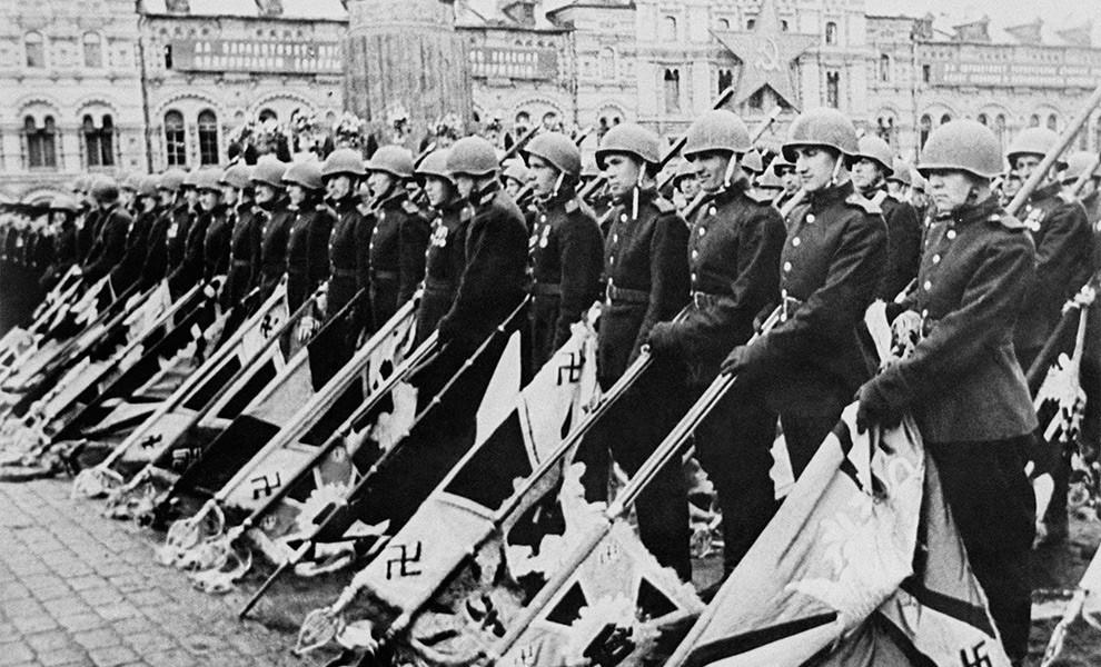 Американцы считают, что Гитлера победили они, а СССР «лишь помогал», — Washington Post