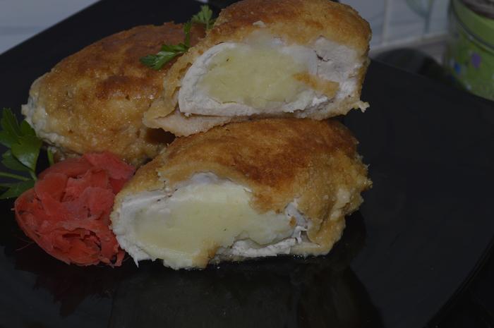 Куриный рулет  с картошкой